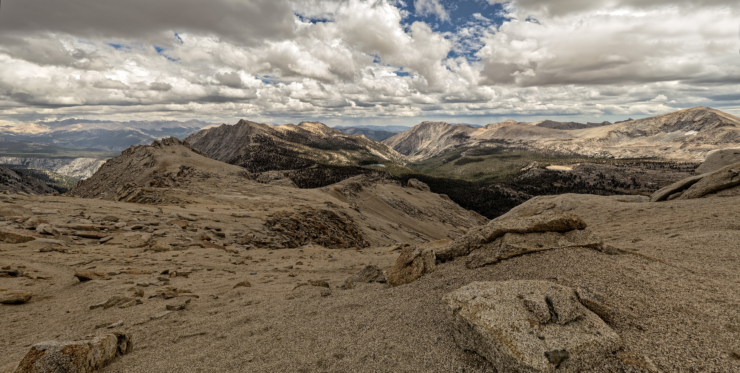 Franklin Pass panorama, view east to the Whitney Crest.